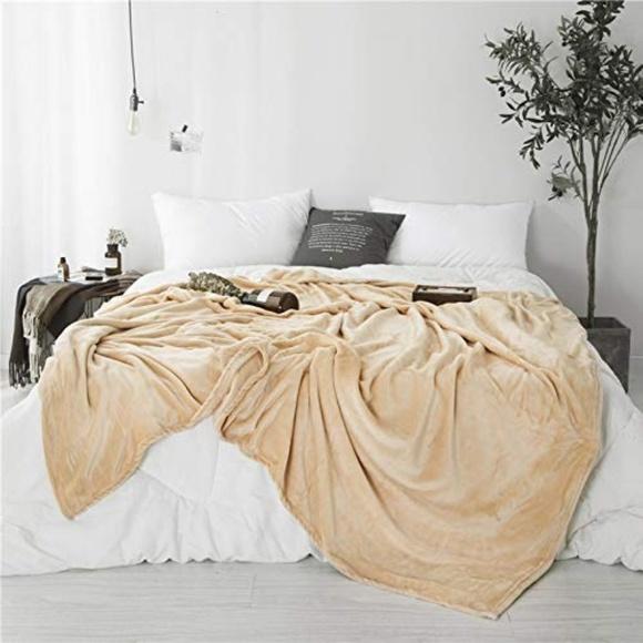 Berry Stylish Other - Super Soft & Cozy Fuzzy Fleece Plush Throw Blanket